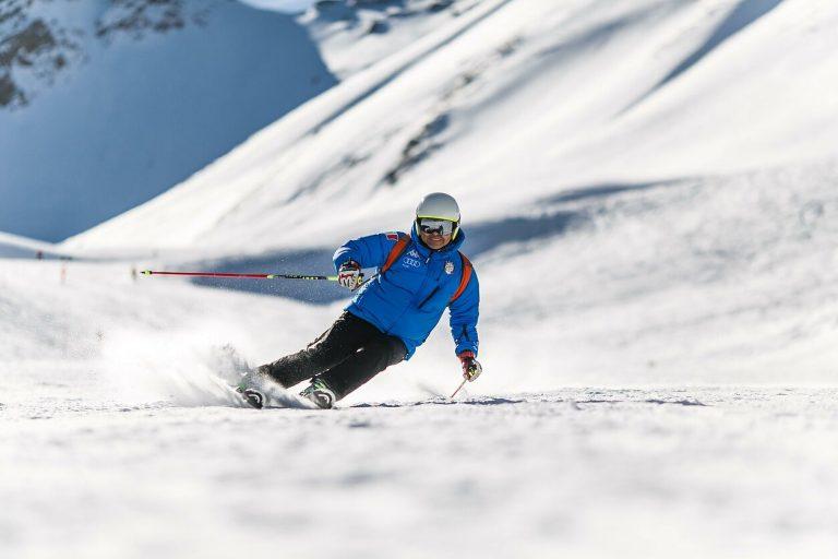 Trys patarimai, kaip išvengti traumų slidinėjant